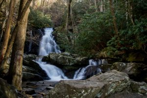 Shuttle Hike & Waterfalls (3-4 hour)