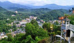 Gatlinburg,_TN_37738,_USA_-_panoramio_(9)-min